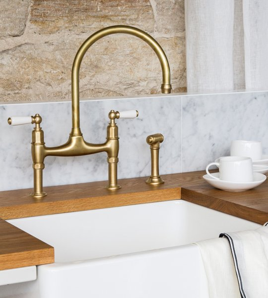 We Offer Luxury English Perrin & Rowe Kitchen Taps And Italian Sinks, As Well As Bathroom Mixer