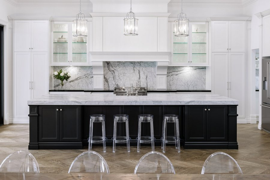 Boutique cabinetry complete this stunning perrin rowe for Alby turner kitchen designs