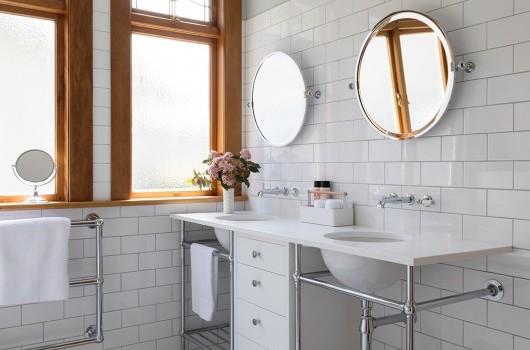 Epsom Bungalow - Main Bathroom