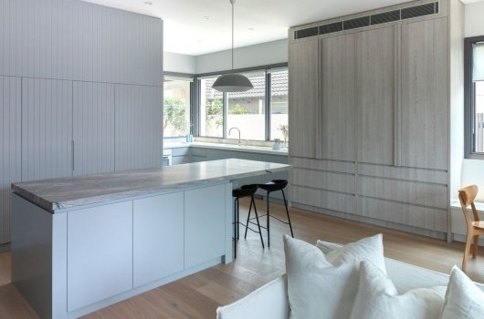 BRONTE HOME - KITCHEN & POOL