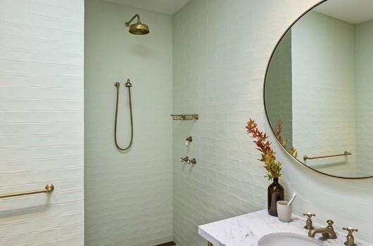 CAPE SCHANCK - GUEST BATHROOM I
