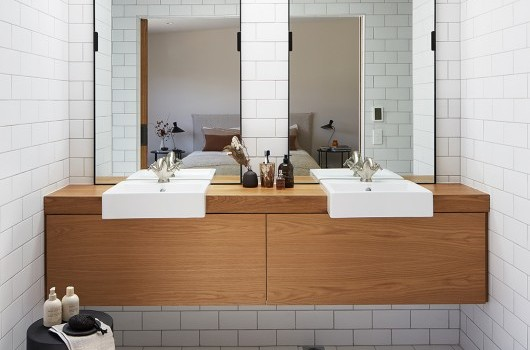 FORD LOFTS - BATHROOM