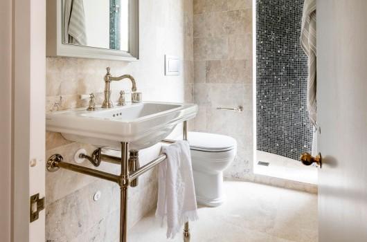 Helmores Lane - Bathroom