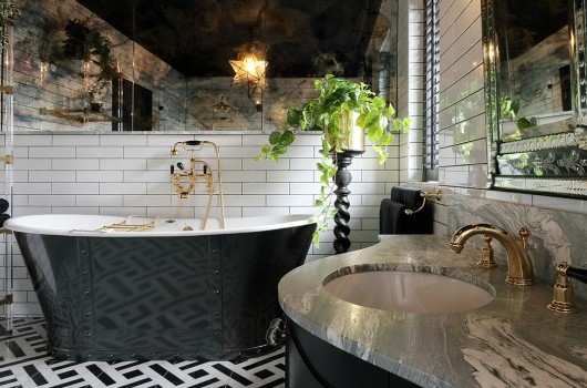 Caulfield House - Bathroom