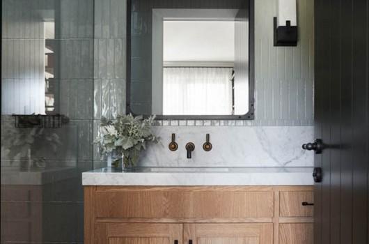 BEECHWOOD HOME – BOY'S BATHROOM