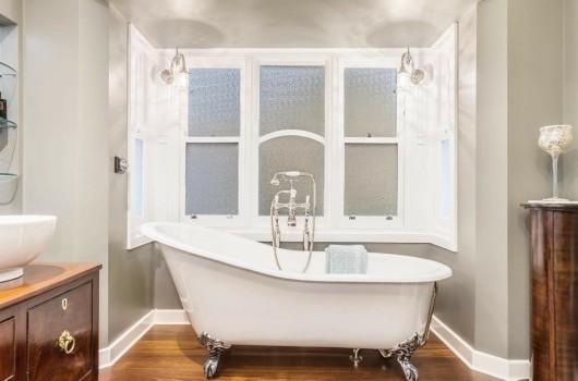 Sunbury Home - BATHROOM