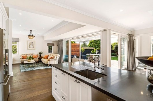 TAYLORS RD HOME - KITCHEN