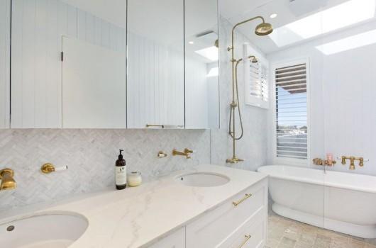 Clovelly Home - Bathroom