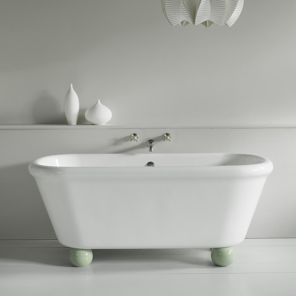 WM-ROCKWELL-BATH-WITH-FEET